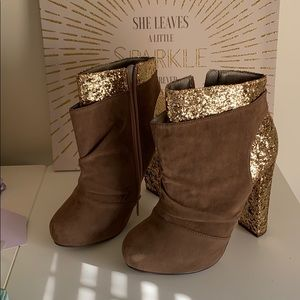 Glitter and faux suede platform boots